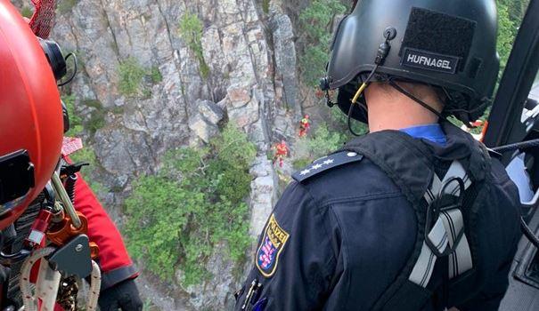 Nach Sturz: Wiesbadener Höhenretter bergen schwer verletzte Frau