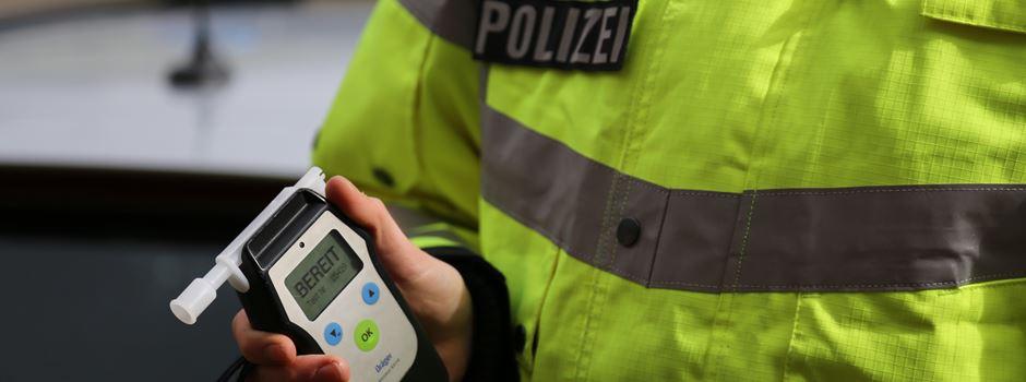 Sturzbetrunken und ohne Licht an der Polizeiwache vorbeigeradelt