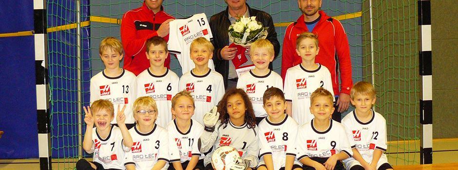 Neue Trikots für die F2- Fußball Jugend des Herzebrocker SV
