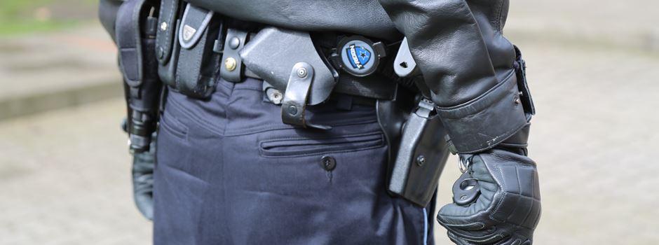 Tankstelle in Neuenkirchen überfallen: Täter bedroht Mitarbeiterin mit Messer