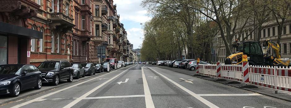 Mann will auf Polizistin losgehen - Prügelei in der Rheinstraße eskaliert