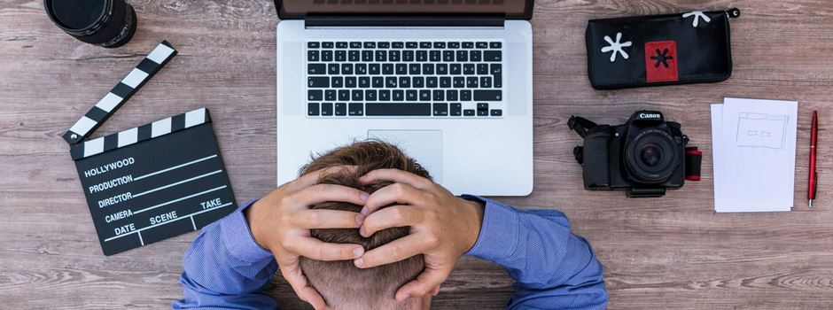 9 Gedanken, die man hat, wenn man samstags arbeiten muss