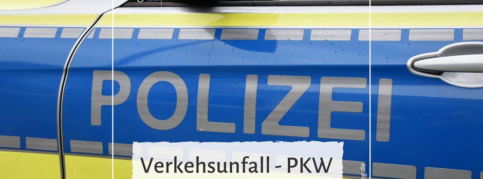 Verkehrsunfall - Pkw prallt gegen Baum