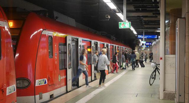 Herzluftballon sorgt für Störungen im S-Bahn-Verkehr