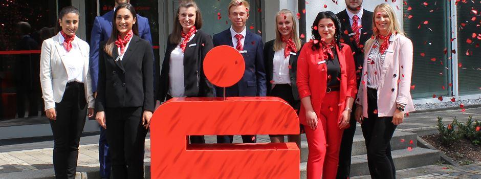Anzeige: Kreissparkasse Wiedenbrück startet mit 9 neuen Auszubildenden