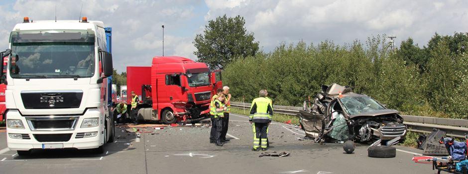 Zwei Tote bei Verkehrsunfall