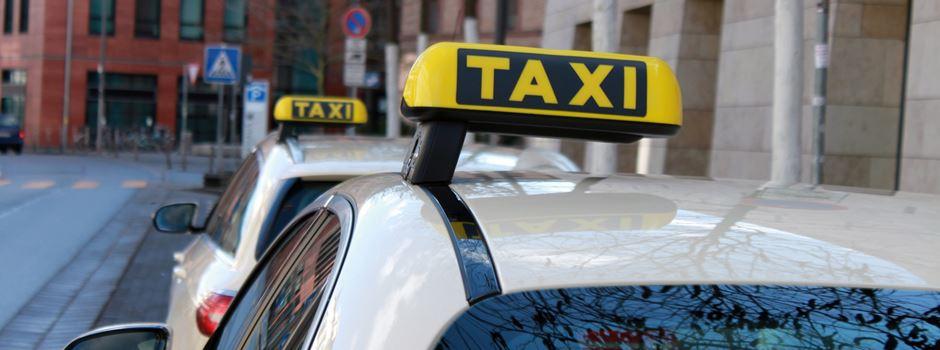 Taxifahrer von drei Männern zusammengeschlagen