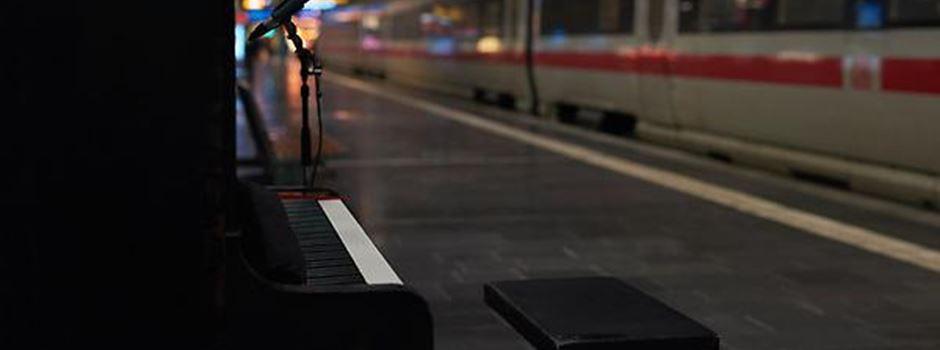 Warum bald ein Klavier im Hauptbahnhof steht