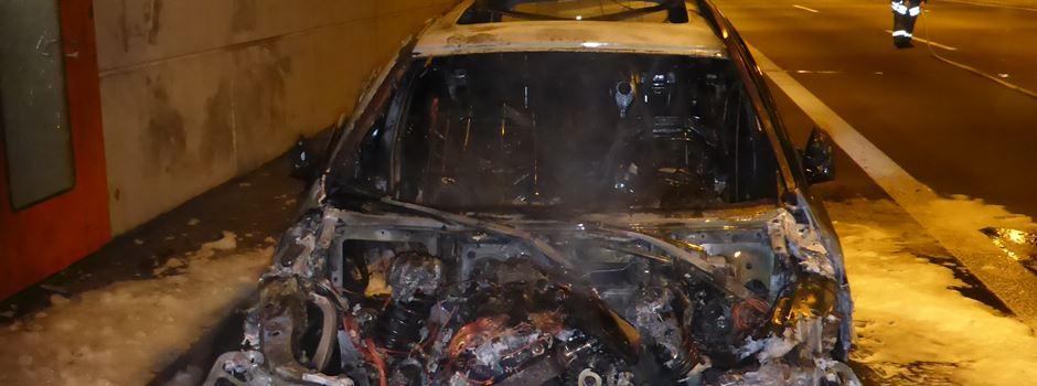 Pkw im Hechtsheimer Tunnel steht in Flammen
