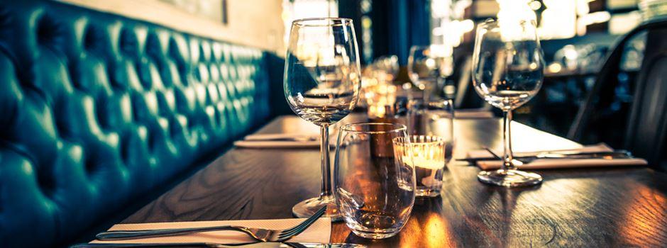 Reservierung nicht abgesagt: Frankfurter Gastronomen bitten Gäste zur Kasse