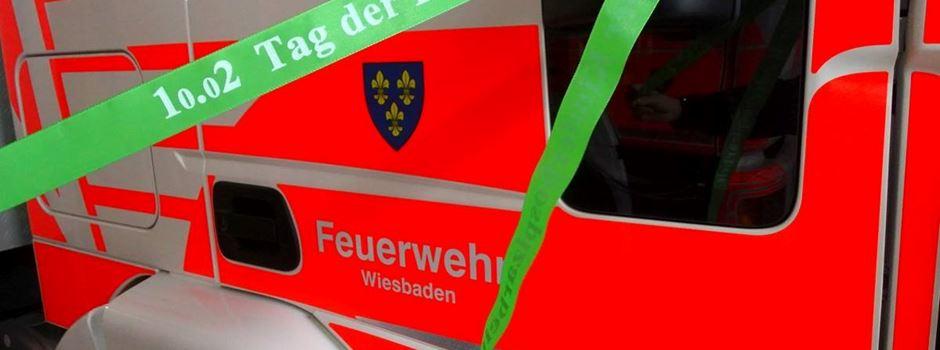 Warum heute viele Fahrzeuge mit grünem Band durch Wiesbaden fahren