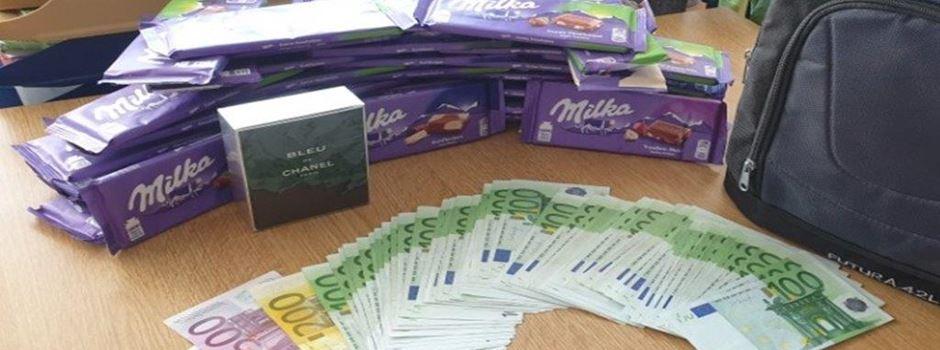 Unbekannter vergisst Rucksack voller Geld und Schokolade im ICE