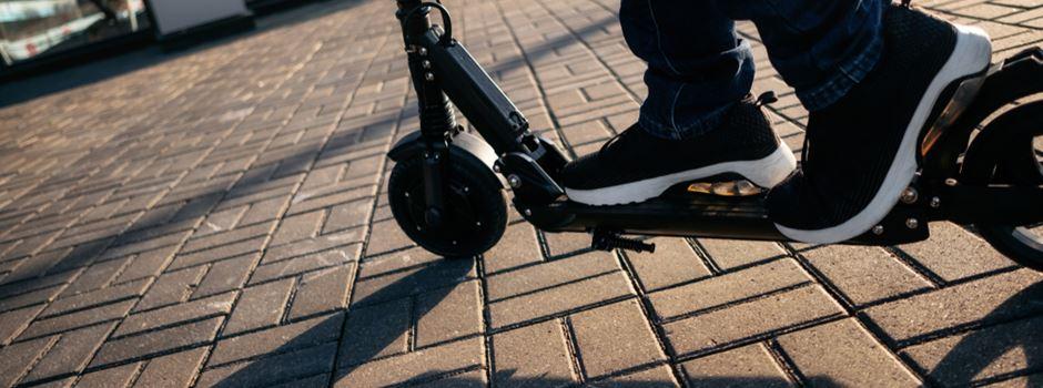 Kein Kennzeichen: E-Scooter-Fahrer droht Ärger