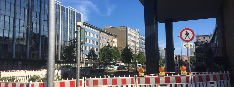 Teil von Hausfassade in Kurt-Schumacher Straße heruntergekracht