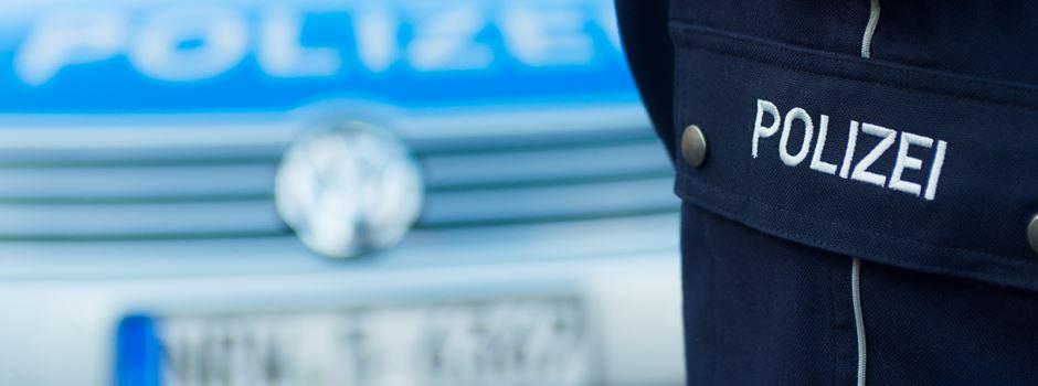 Mann randaliert in Restaurant und stellt sich aus Versehen der Polizei