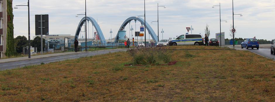 Brücke für Autos gesperrt