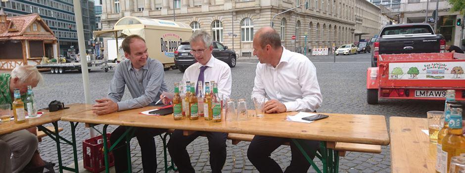 """""""En Ebbelwoi geht immer noi!"""" - Frankfurt feiert den Apfelwein"""