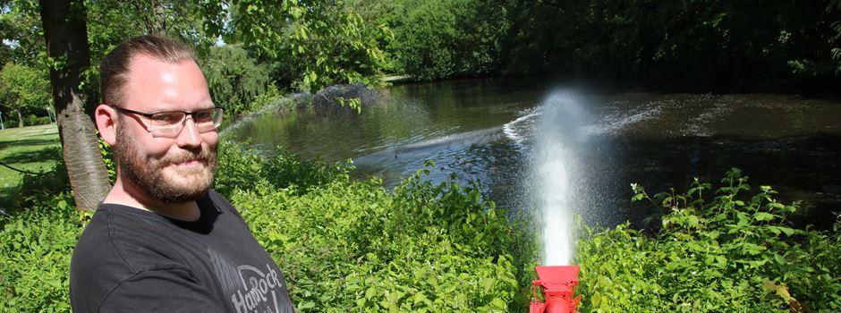 Der Moselbach-Teich stinkt: Tim Stracke rückt mit einem Wasserwerfer an