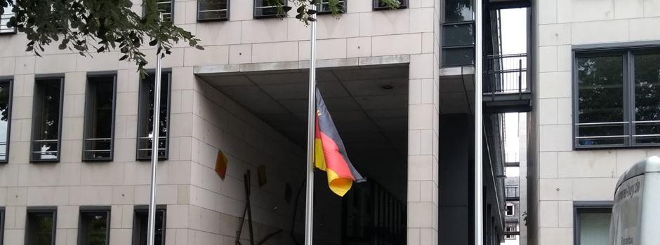 Deswegen wehen die Flaggen in Mainz auf halbmast