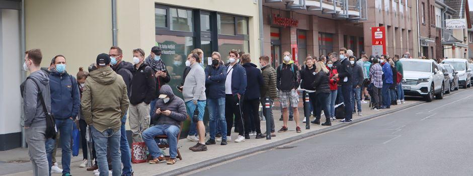 Hunderte Menschen kamen zur Impfaktion nach Rheidt