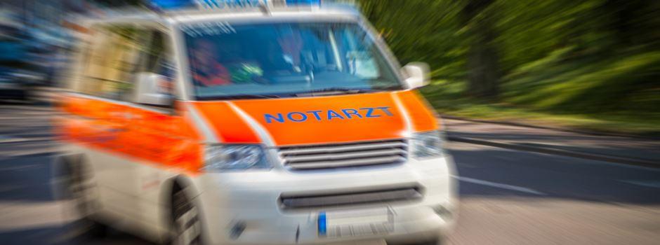 Mann verletzt Mitarbeiter des Rettungsdienstes