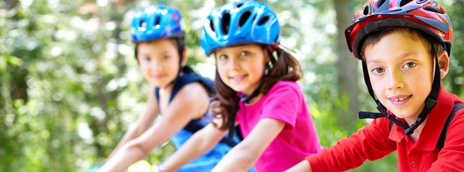 Fahrrad-Schulkorso fährt durch Wiesbaden