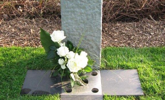Kommunaler Friedhof in Herzebrock-Clarholz bietet pflegefreie Grabstätten