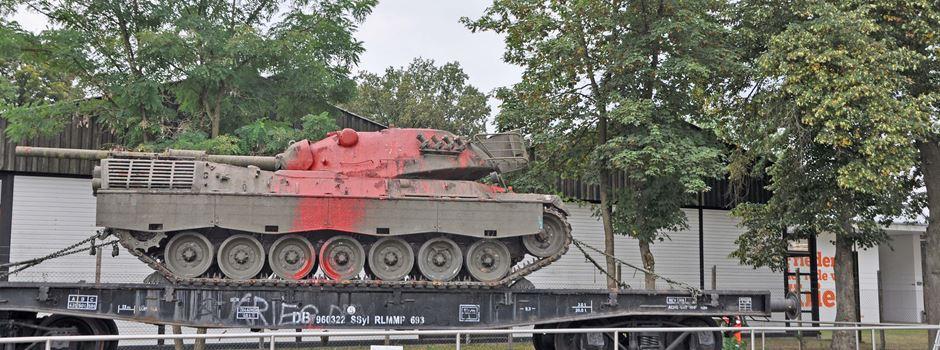 Farbanschlag auf Panzer