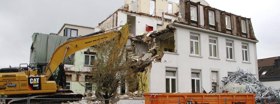 Über 100 Jahre altes Gebäude abgerissen
