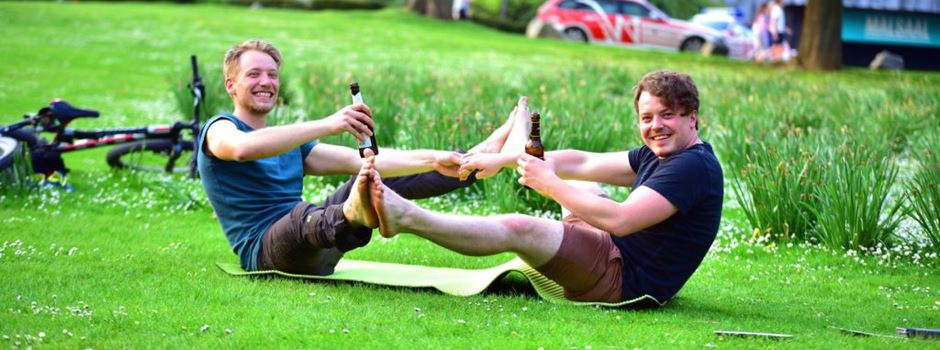 Wiesbadener trinken jetzt Bier beim Yoga