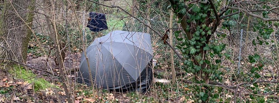 Was es mit dem Zelt in der Grünanlage auf sich hat