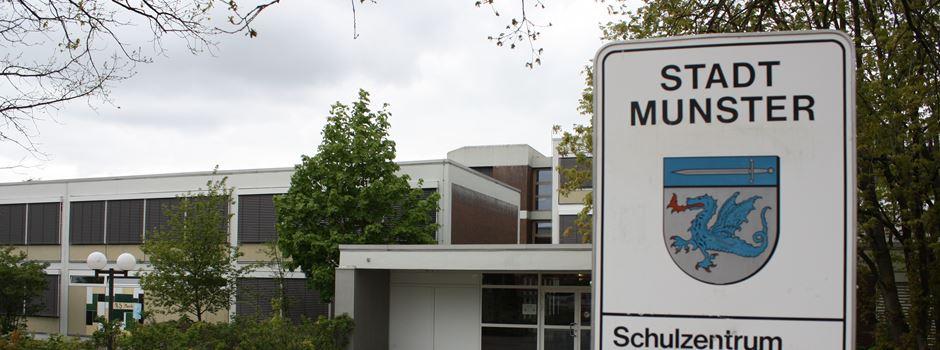 Auf Dächer des Schulzentrums gestiegen