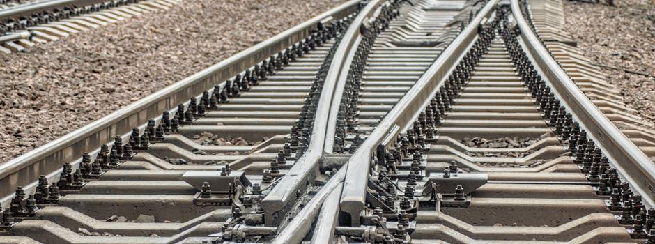 Bahngleise überquert - Bein gebrochen
