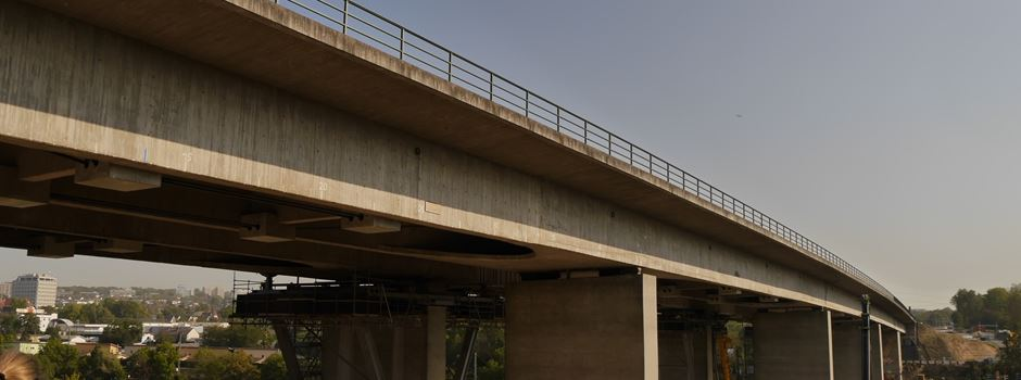 Salzbachtalbrücke vollgesperrt