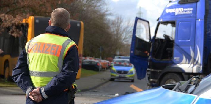 Verkehrsunfall mit mehr als 20 Verletzten