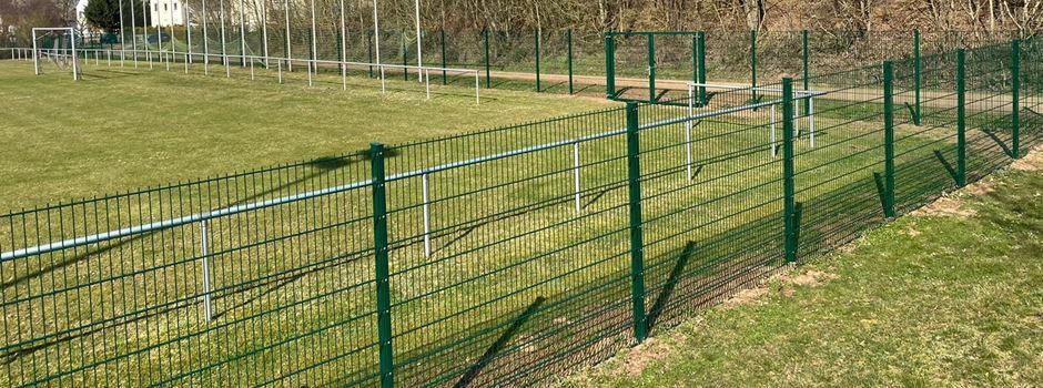 Neue Zaunanlage am Sportplatz fertiggestellt