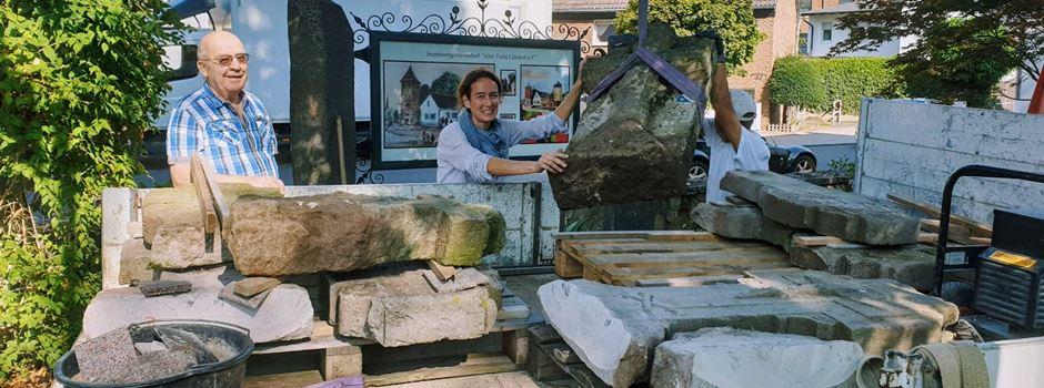 Grabkreuze am Alten Turm werden restauriert