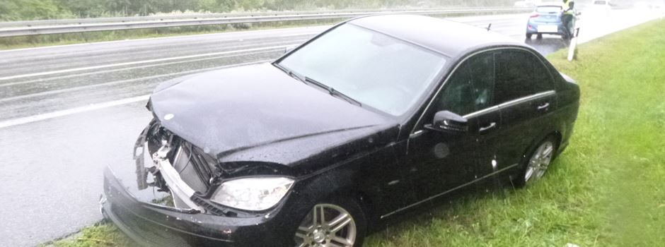 Starkregen: Zwei schwere Verkehrsunfälle auf der A63