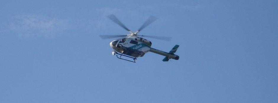 Maskierte greifen Mann (33) an – Polizei sucht mit Hubschrauber nach Tätern