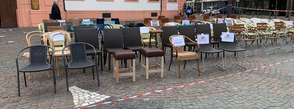 Mainzer Gastronomen mit Protest-Aktion am Schillerplatz