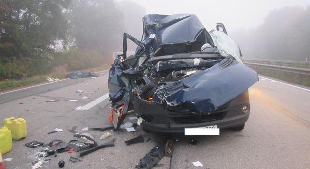 Sprinterfahrer (23) bei Unfall schwer verletzt