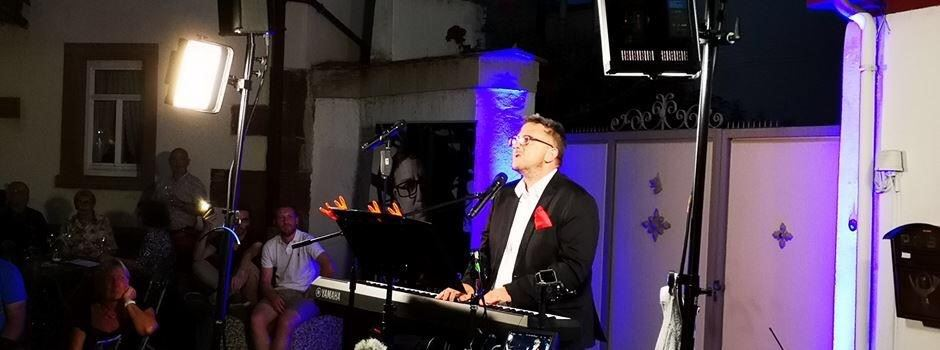 Open Air mit Toby Bieker im Weingut Guntrum in Nierstein am 4. September