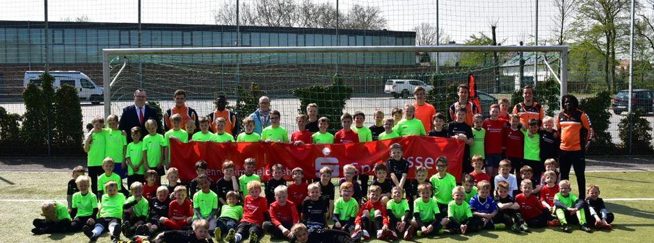 Werbung: Sparkassenfußballferien mit dem Herzebrocker SV