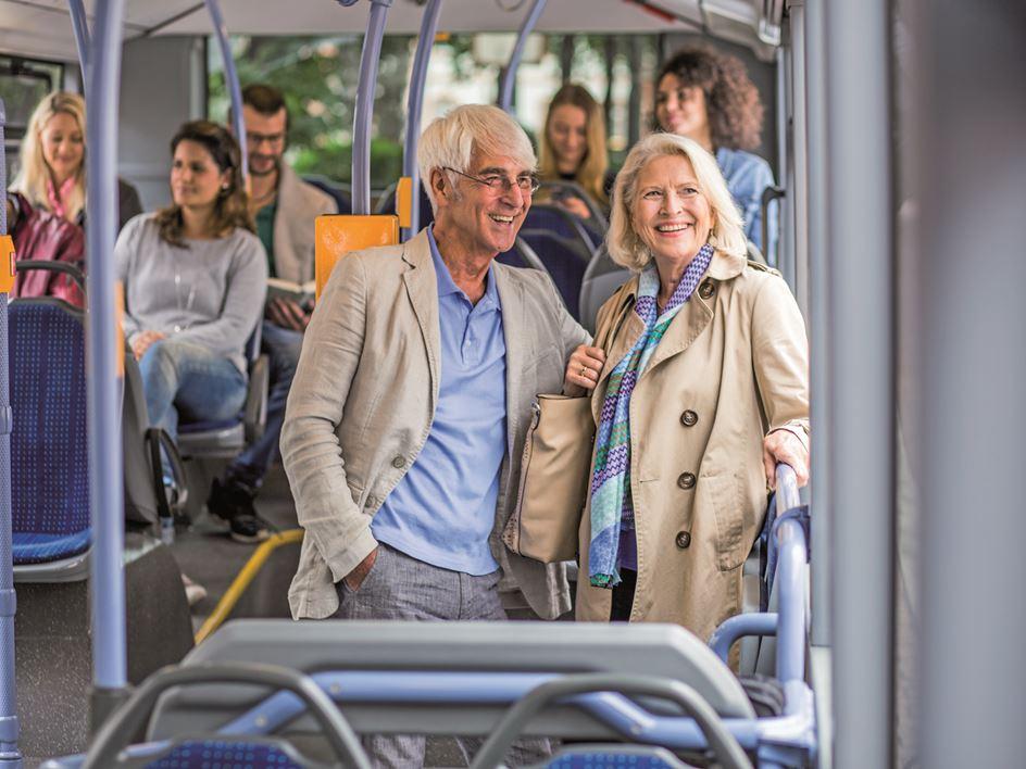 Erste Klasse für Fahrgäste ab 65 Jahren – So funktioniert