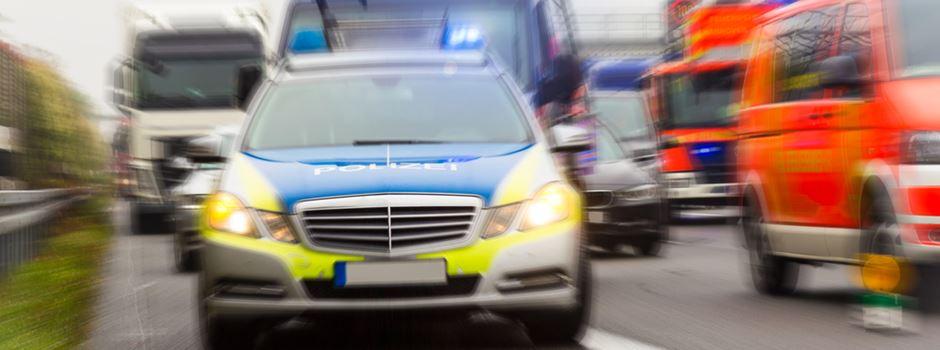 Nach Imponierversuch: Auto überschlägt sich mehrfach auf A60