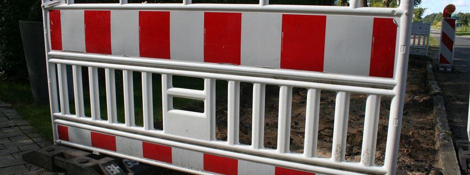 Unbekannte plündern Baustelle: Baken, Standfüße und Quergitter gestohlen