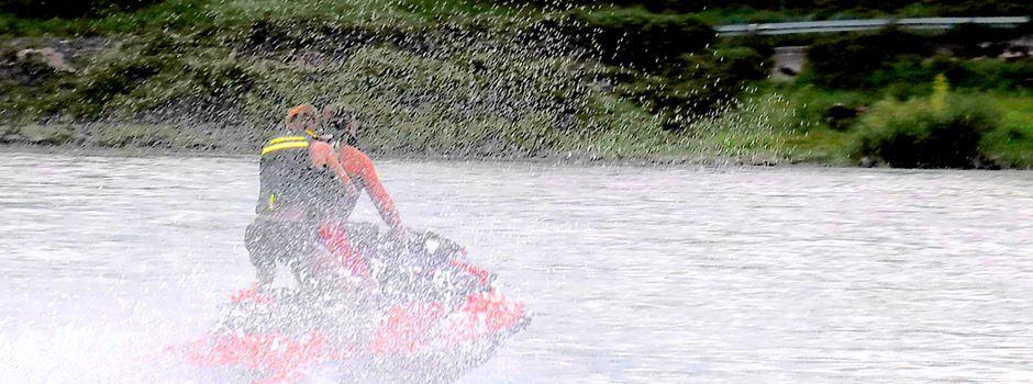 Ärger um Jetski-Fahrer auf dem Rhein bei Niederkassel