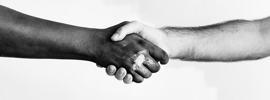 Rassismus – Augsburg ist nicht rassistisch, weil ...