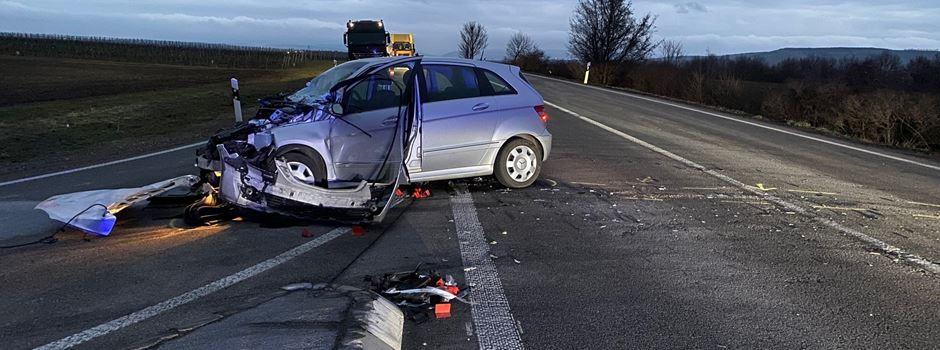 Mann bei Unfall mit Lkw lebensgefährlich verletzt