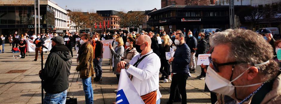 Gastronomen und Hoteliers demonstrieren für Öffnungen